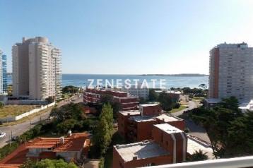 Apartamento en alquiler temporario Playa Mansa  2  dormitorios